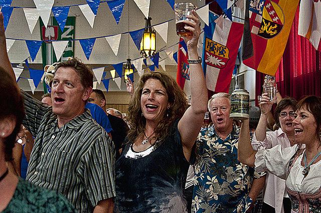 inline 898c35ab57cb587dc7e521835e49770b - Good Beer and Fun at Turn Verein's Oktoberfest