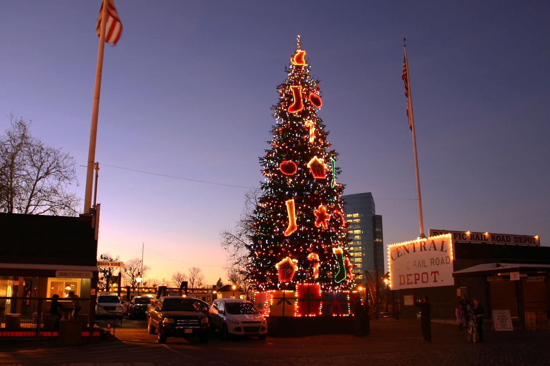 Old Sacramento at Christmas - Sacramento Press